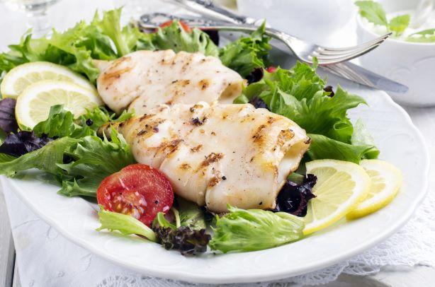 Jak zvládnout dodržení speciální diety na návštěvě?