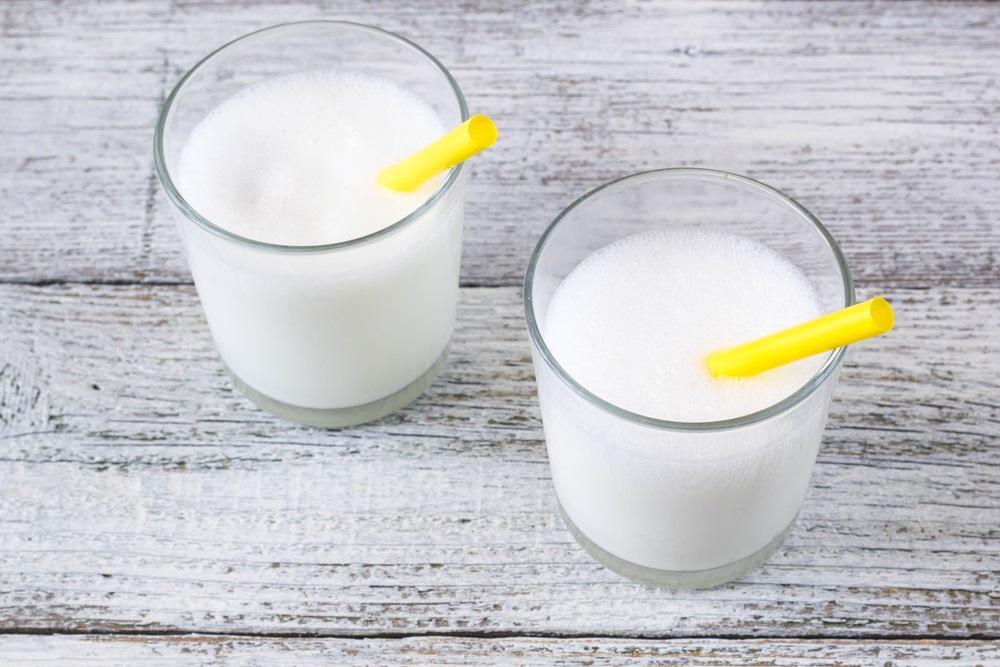 Kozí mléko zpestří jídelníček. Je vhodné i pro alergiky?