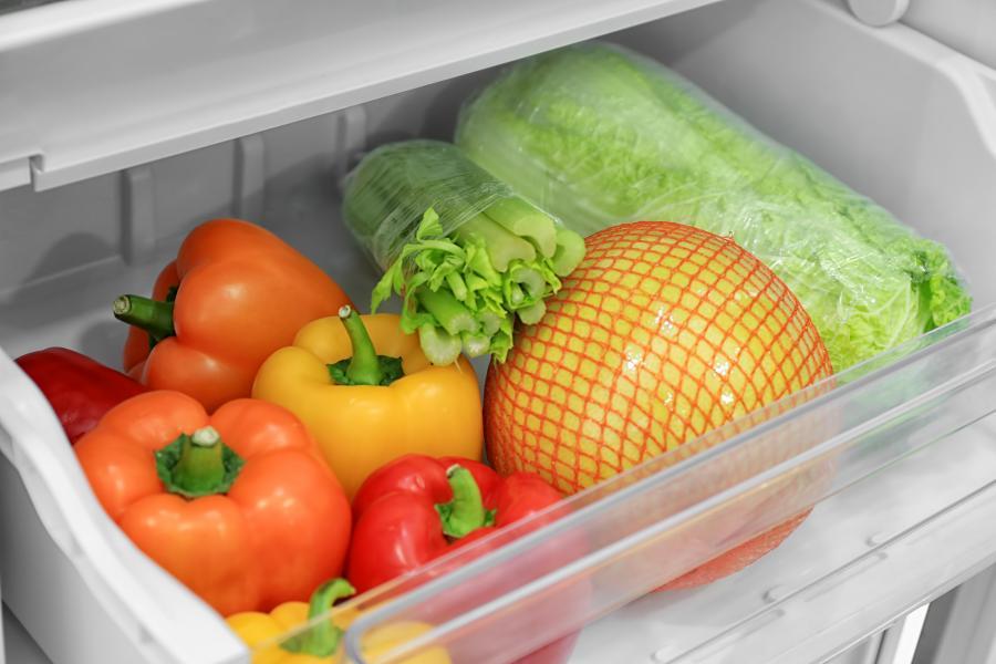 Zelenina v lednici od Shutterstock