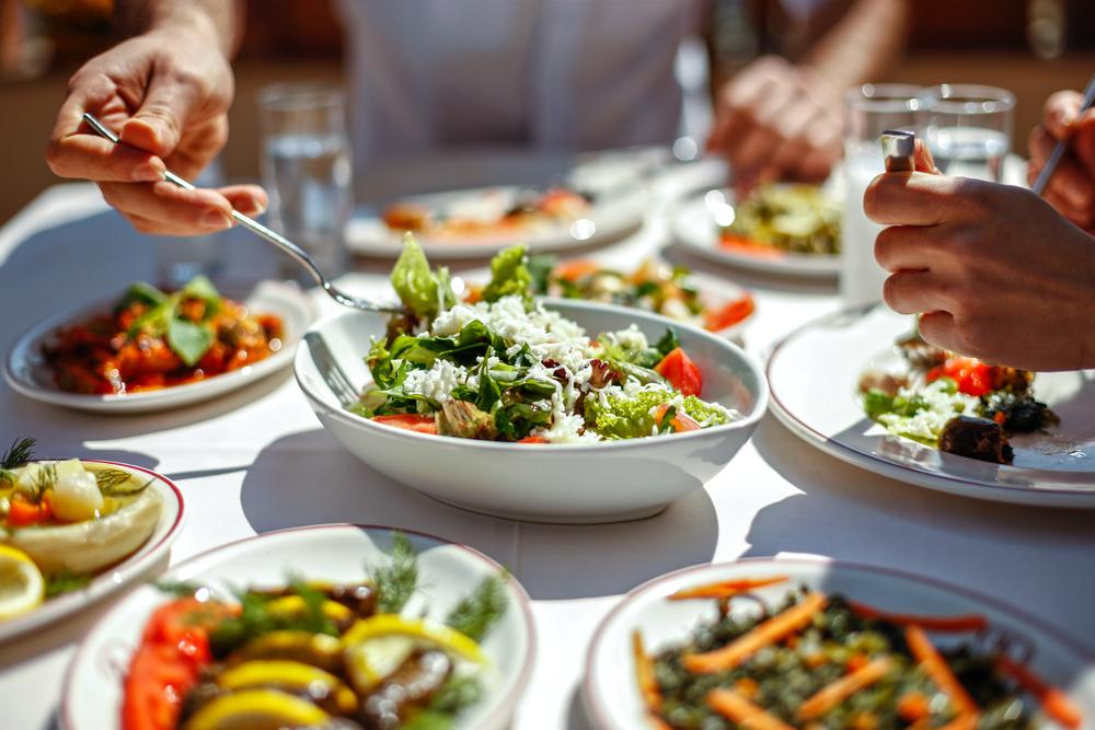Hlavní jídlo dne nešiďte. Co si k zdravému obědu vybrat?