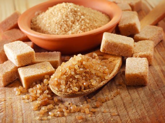 zdravotní výhody hnědého či třtinového cukru