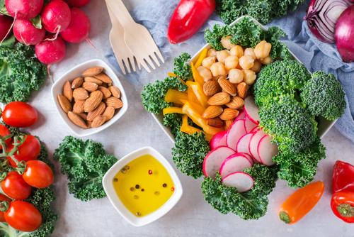 Jak zvýšit příjem rostlinných potravin? Zkuste tipy i jídelníček