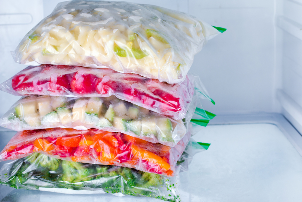 V horku dopřejte potravinám chlad i vzduch. Které chladit a které ne?
