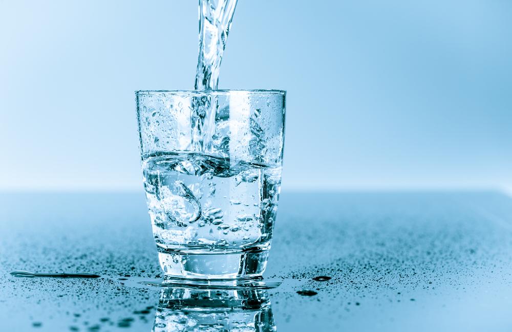 Obyčejná voda? Základem termoregulace i očisty organismu