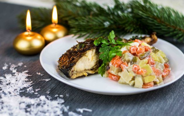 Moderní vánoční kapr se salátem