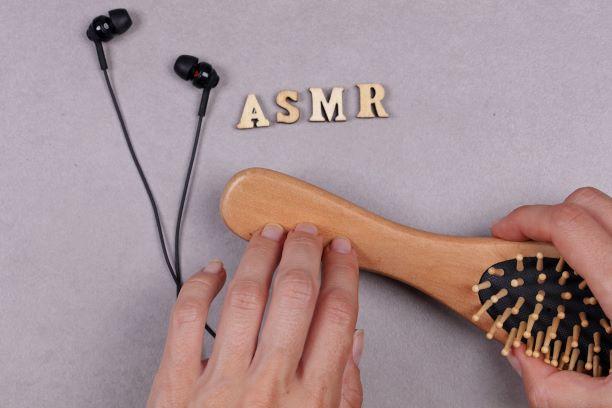 ASMR - tichými hezkými zvuky k efektivní relaxaci