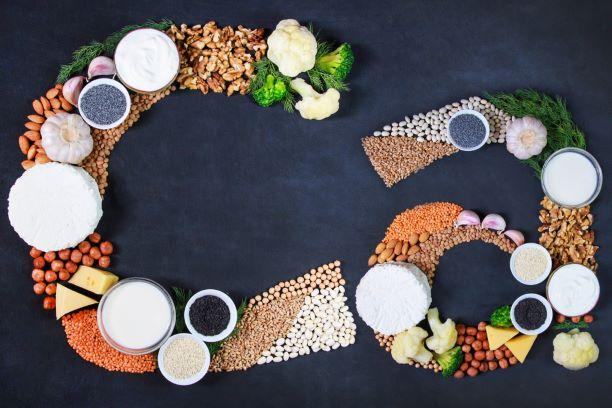 Vstřebávání vápníku z potravin snižují potraviny i nedostatek vitaminů K2 a D3