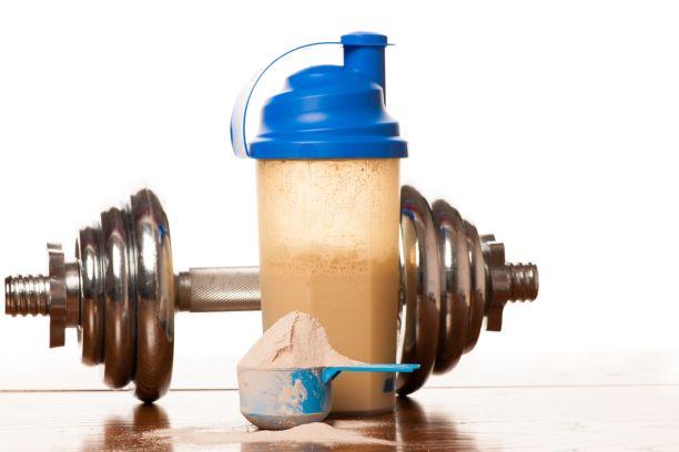 Proteinové nápoje pro hubnutí i svaly. Při výběru si dejte ale pozor