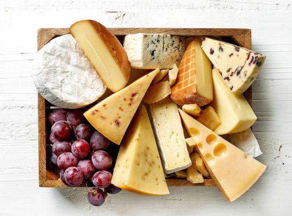 Sýry jsou důležitou součástí jídelníčku. Co skrývají dobrého?