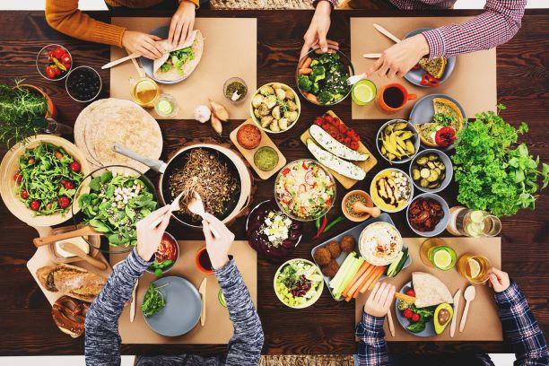 Cukrfree, veganství - módní i zdravé. Jaké jsou ale i nevýhody těchto alternativ?