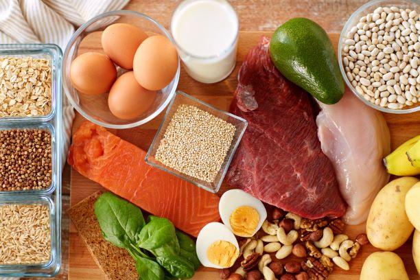 Nadbytečný příjem bílkovin - zatěžuje ledviny. Kolik je správně?