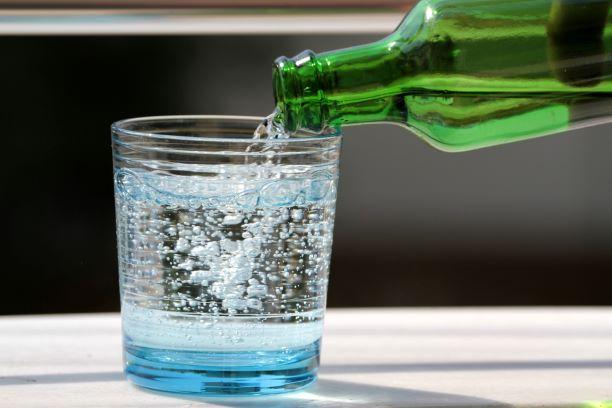 Minerální vody vybírejte, aby posloužily vašemu zdraví. Sodík raději sledujte vždy
