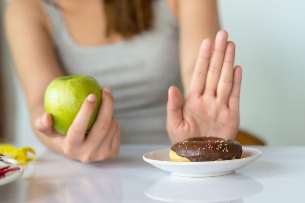 Co slibuje a zakazuje stravovací program Whole 30 a proč?