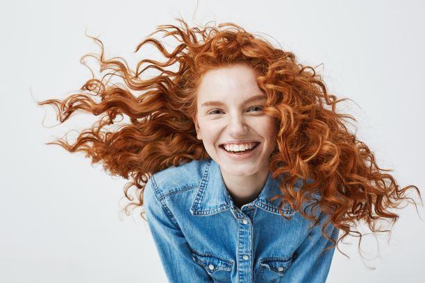 Krásné zdravé vlasy bez lupů. Posílí je zelenina i semínka