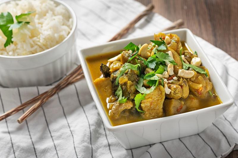 Zeleninové curry s kešu ořechy