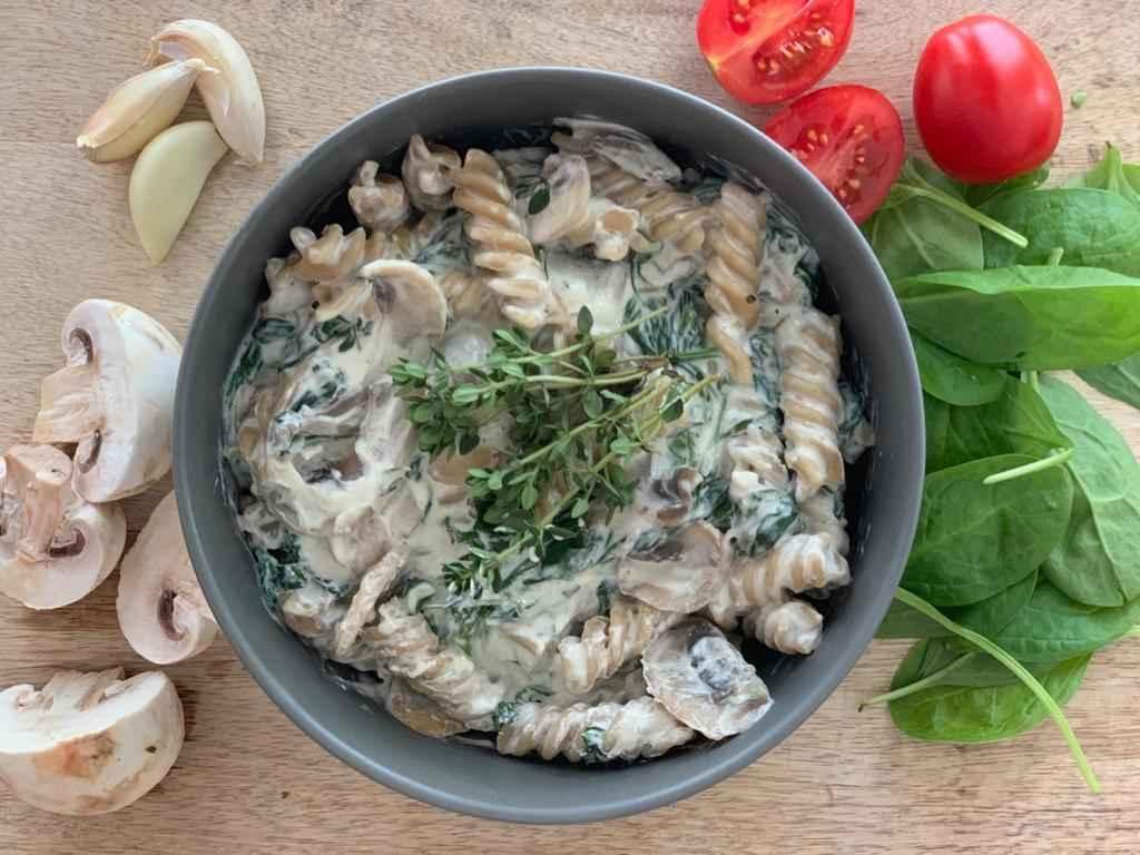 Houbové těstoviny s Lučinou a špenátem
