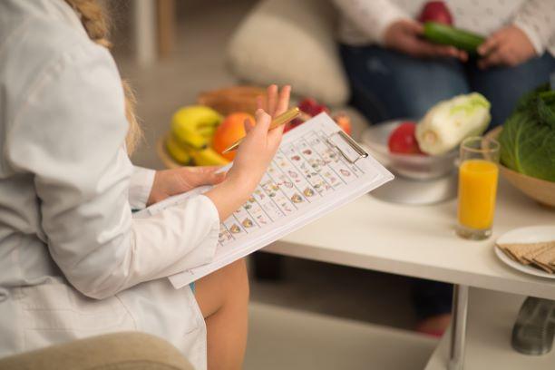 Nutriční terapeut nekouše. Je to rychlejší cesta k cíli