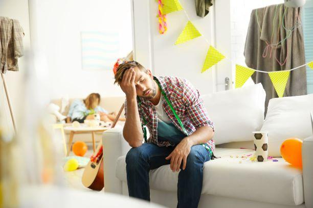 Co se děje s tělem při kocovině? Játra trpí, hlava i svaly bolí