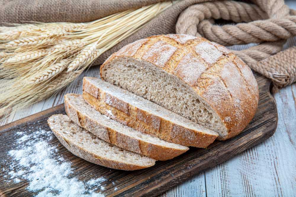 Na přípravu domácího žitného chleba stačí několik ingrediencí