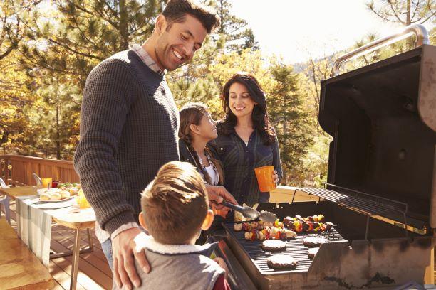 Jednoduché tipy pro zdravé grilování. Děti se nadšeně zapojí