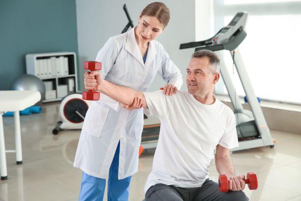 Aktivní střed těla je jeden z hlavních principů terapie prof. Koláře