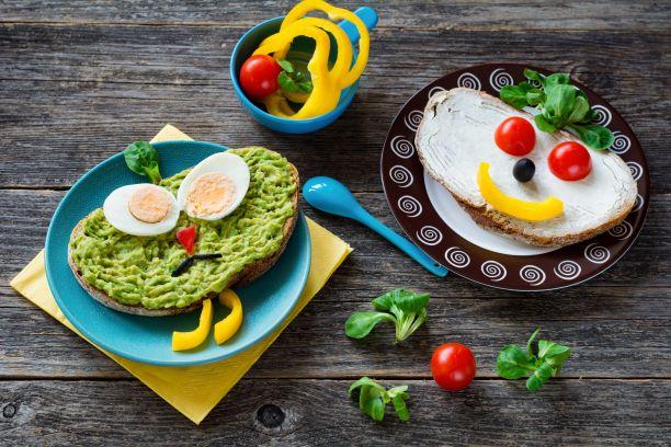Sladké i slané zdravé snídaně a svačinky pro školáky