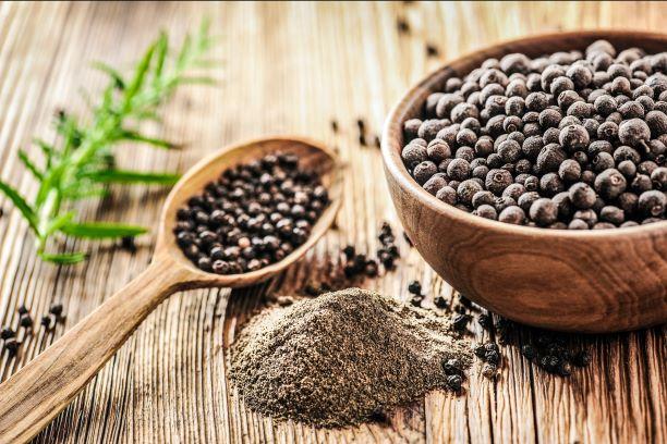 Účinky pepře na zrychlení metabolismu a podporu hubnutí jsou známe. Což teprve při rýmě, nachlazení či žaludeční nevolnosti!