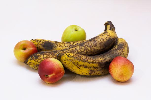 přezrálé ovoce