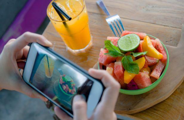 Ovlivňují media to, co jíme? Zahraniční studie tvrdí, že ano