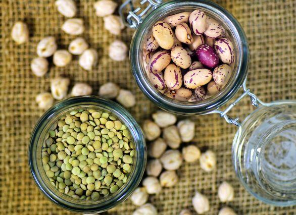 Polévky, saláty či placičky s luštěninou jsou vhodné i pro hubnutí