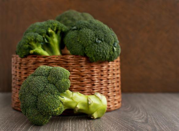 Brokolice má víc vitaminu C než citrusy a skvěle chutná