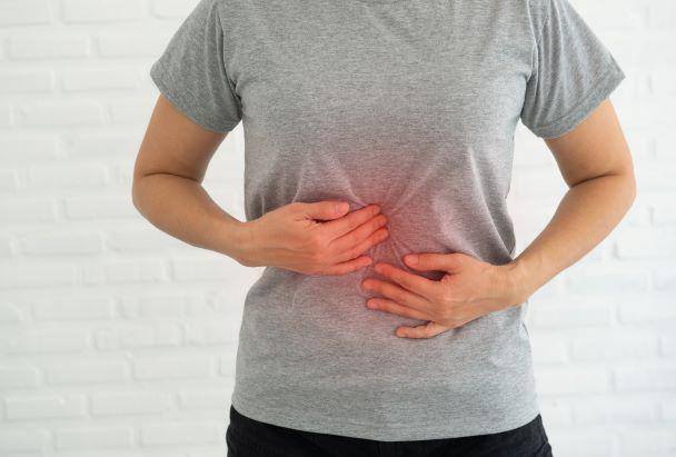 Nafouklé břicho dokáže trápit. Příčiny jsou ve stravě, ale i nemoci