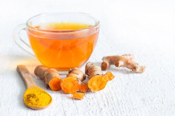 kurkumový čaj