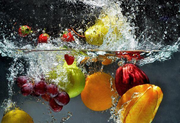 Jídelníček plný vody. Kde všude je v potravinách schovaná voda