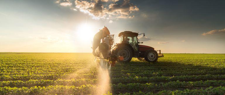 """Udržitelné používání pesticidů. Strategie EU """"From Farm to Fork"""""""