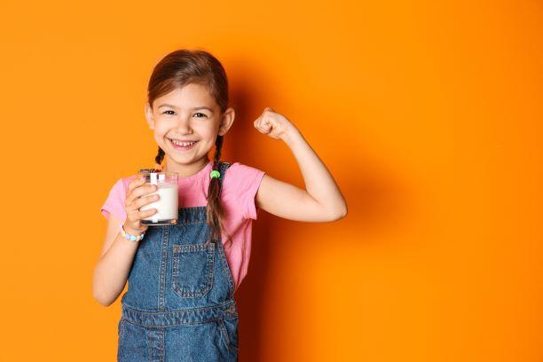 Jak se u dětí projevuje nedostatek bílkovin? Zpomalený růst i zhoršená imunita