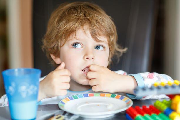 Jak dětem správně dávkovat bílkoviny a jaké jsou jejich zdroje