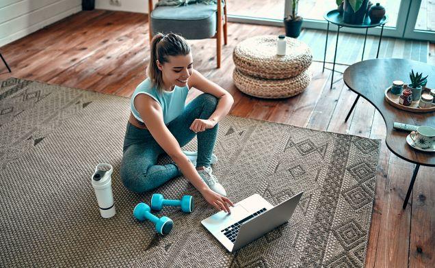 Rizika sportování doma – na co si dát pozor při online cvičení