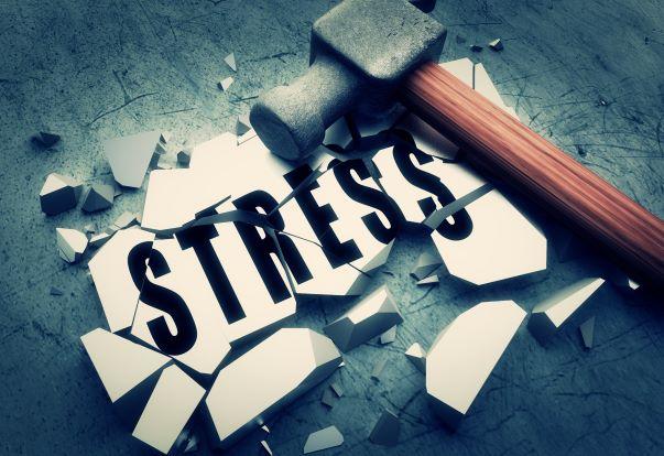 Stres - jak se ho zbavit a neničit si zdraví, radí celostní terapeut Jiří Čapovec