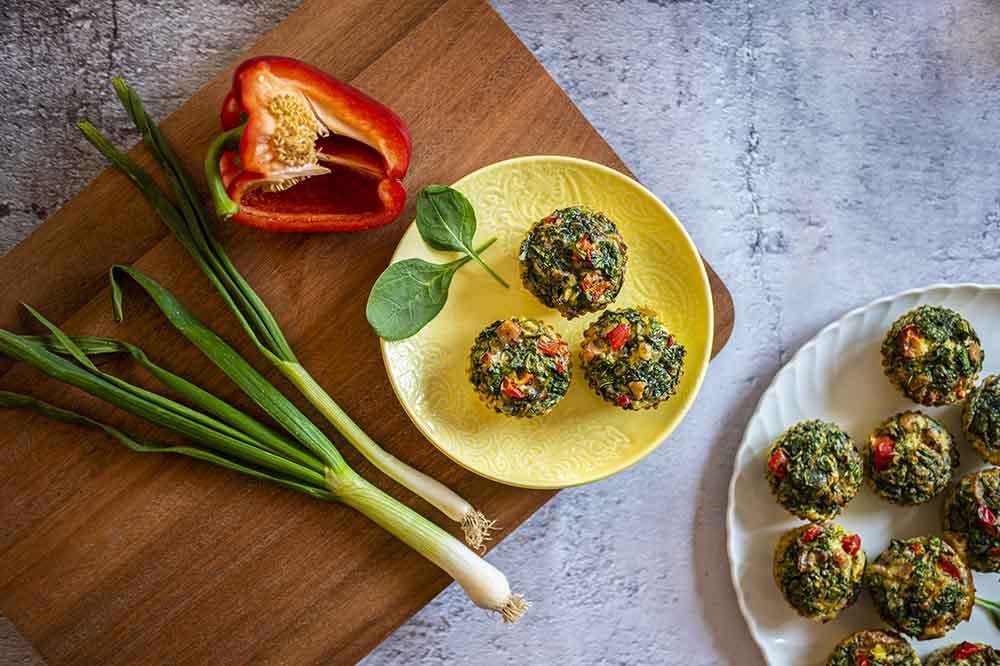 Jarní vajíčkové muffiny s mozzarellou a zeleninou