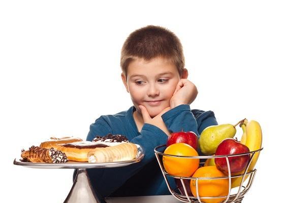 Dítěti s nadváhou lze účinně pomoci