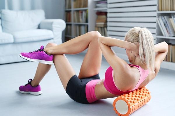Balanční cvičení s válcem aktivuje hluboký stabilizační systém