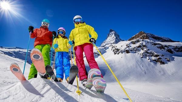 V lednu mráz - zimní sporty těší nás