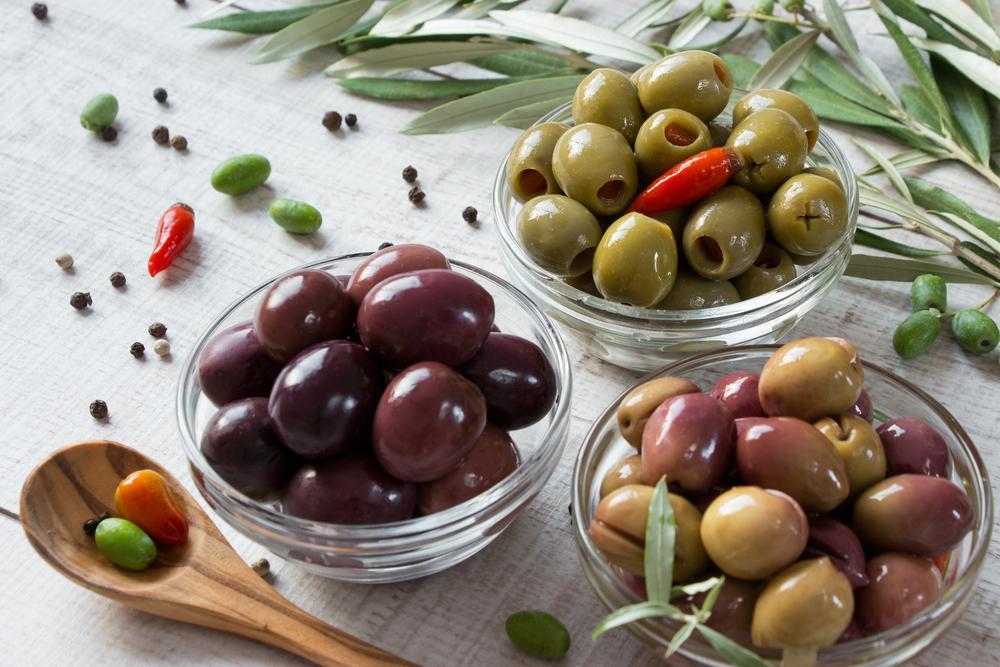 Olivy a kapary. Zdravé, či nezdravé pochoutky?
