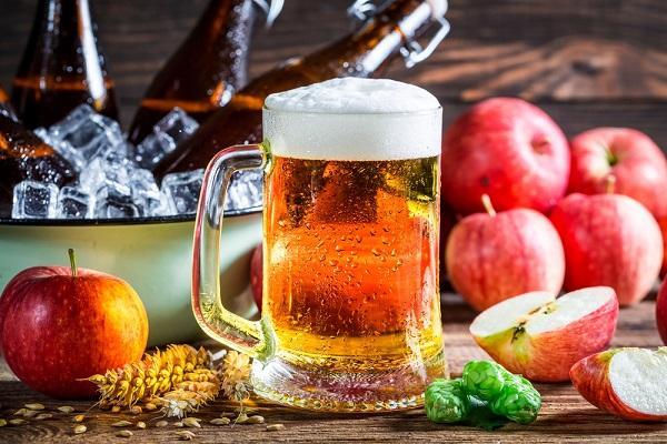 Jablečný mošt a cider