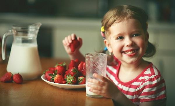 Děti a plnotučné mléko