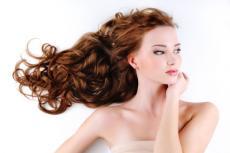 žena vlasy