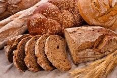 Češi se stravují zdravěji. Jedí méně bílého pečiva a kupují více ovoce a zeleniny