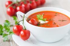 Zeleninová polévka k obědu, svačině i večeři