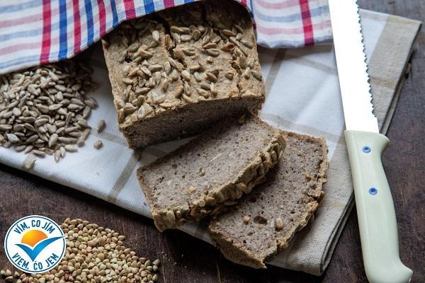 Recept: Pohankový chléb se slunečnicí